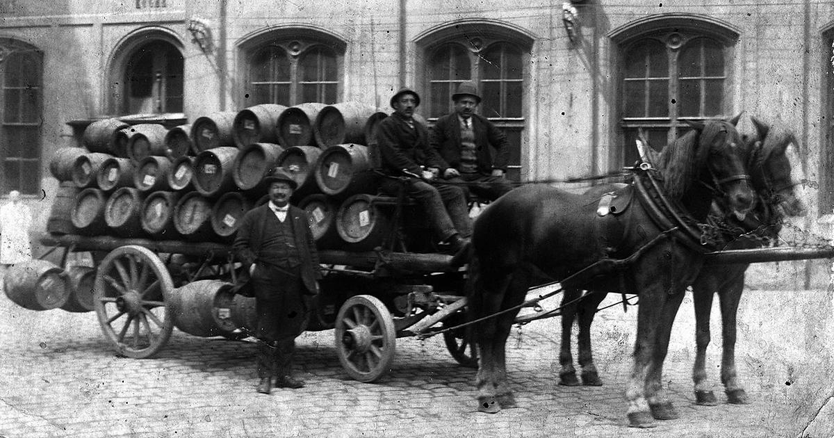 Biertransport in Wenen met de paard en wagen (rond 1900)