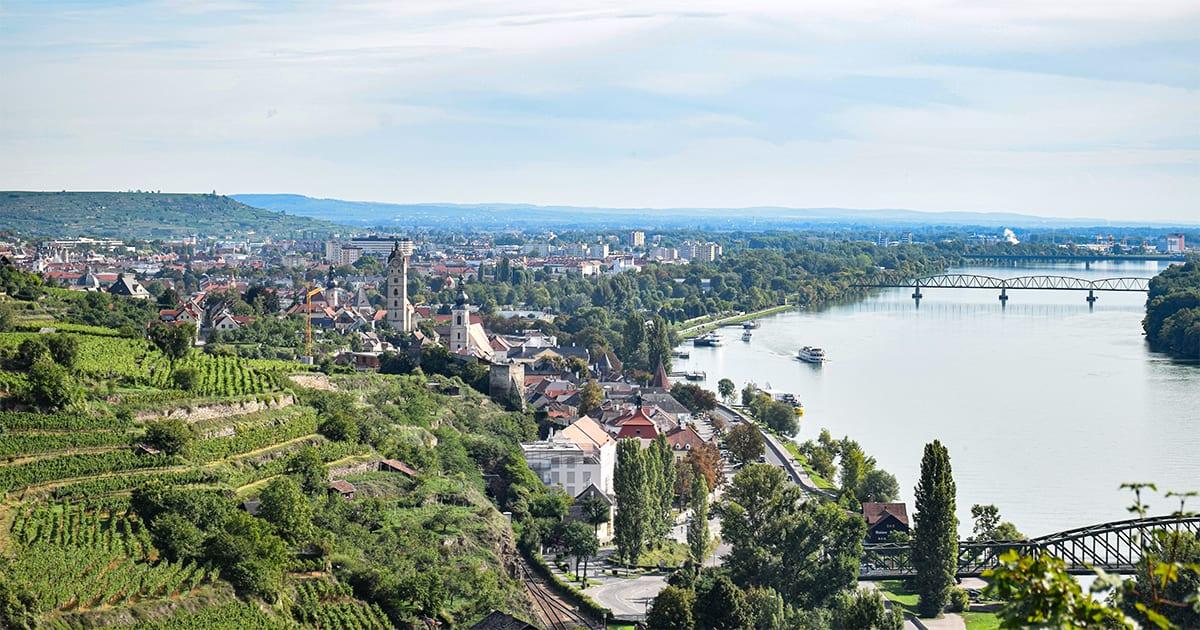 Uitzicht op Krems, Und & Stein