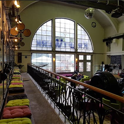 Interieur café Kraftwerk