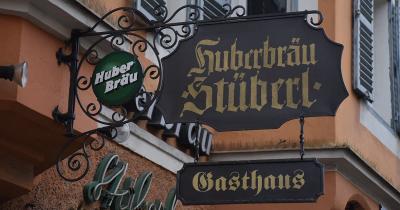 Huberbraü: Aanschuiven aan grote tafels