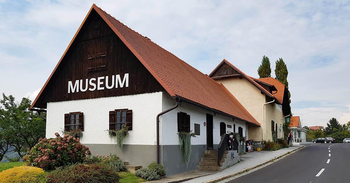 Wijnmuseum in een boerderij