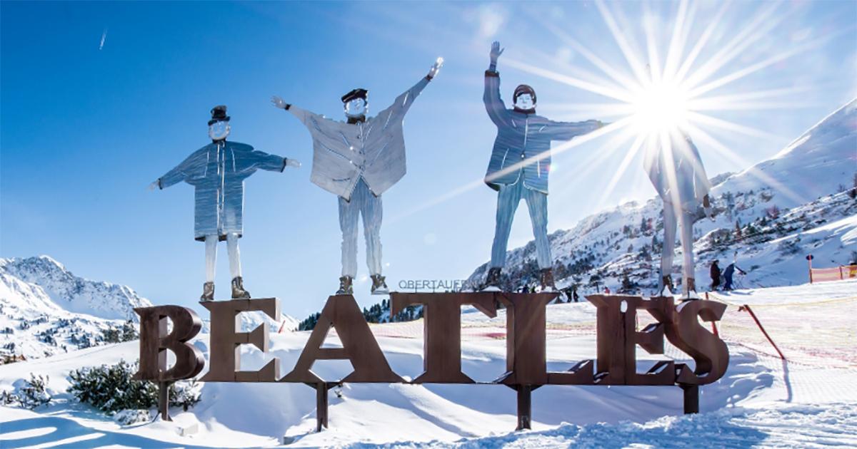 Beatles standbeeld