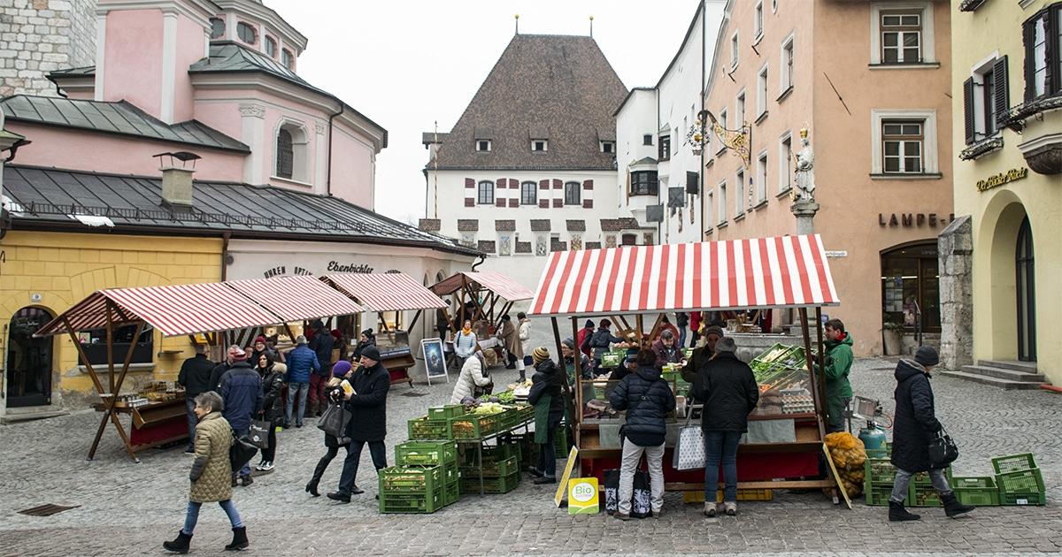 Boerenmarkt op de Obere Stadtplatz