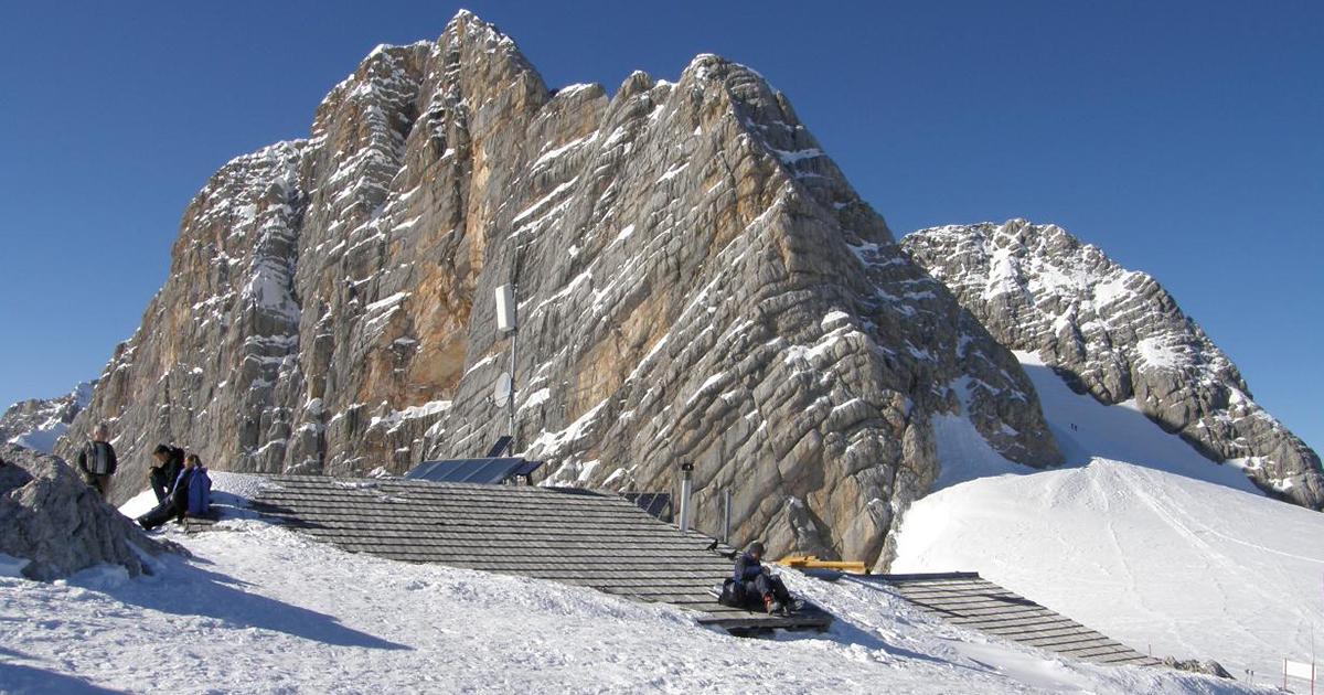 Seethalerhütte onder de sneeuw