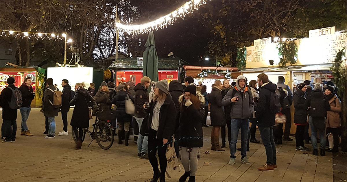 Chritkindlmarkt op de Karlsplatz